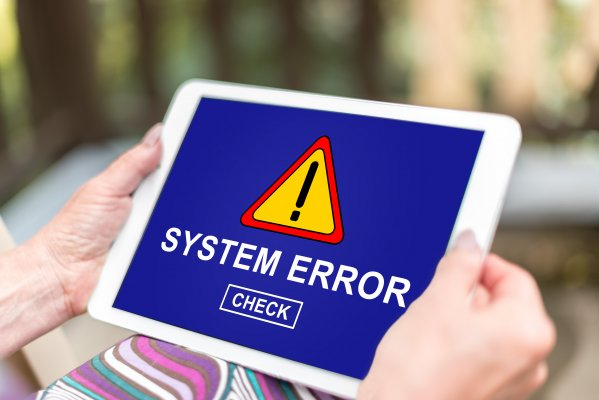 ccleaner features utility software system error displayed on tablet