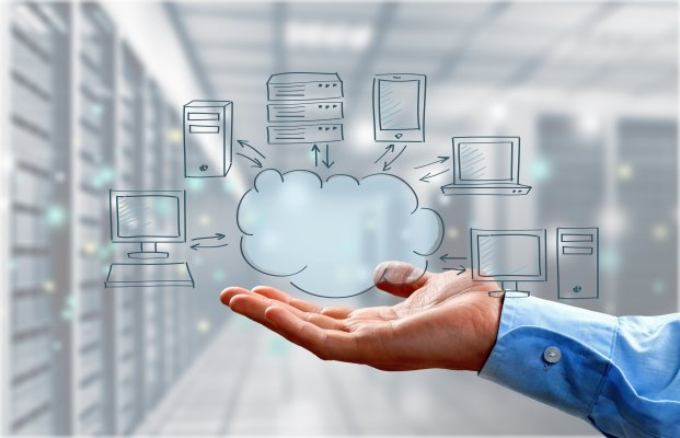 hand holding cloud online backup