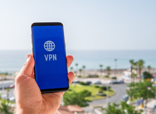 vpn on smartphone beach sea ocean vpn services zero vpn